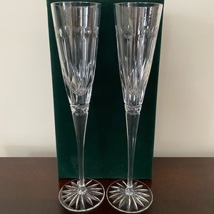 Set of clear crystal champagne flutes